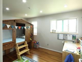 송현리 주택 위드하임 Dormitorios infantiles de estilo asiático