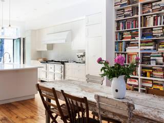 Kitchen by Lorraine Bonaventura Architect