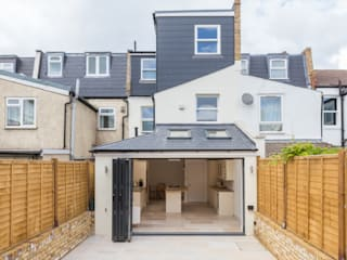 New Home Before Wedding. Wimbledon, SW19 Modern terrace by TOTUS Modern