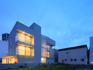 Moderne Häuser von ヒココニシアーキテクチュア株式会社 Modern