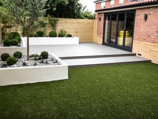 Small, low maintenance garden Jardines de estilo minimalista de Yorkshire Gardens Minimalista Compuestos de madera y plástico