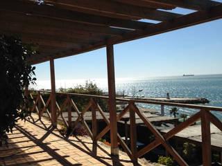 Vallas de madera y estructuras para jardines: Casas de estilo  de Vallados y Jardines