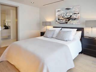 GUEST BEDROOM من Landmass London حداثي