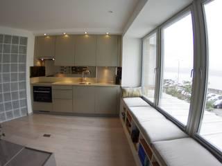 Kempock St, Gourock Modern kitchen by Richard Robb Architects Modern