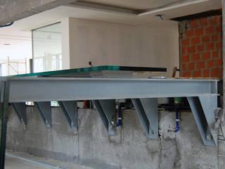 Design de Aquário Água Salgada Corredores, halls e escadas modernos por Aquastation Moderno