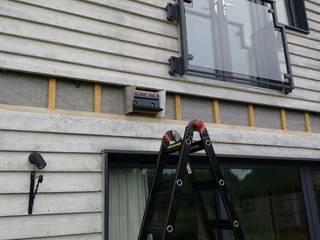 Patio awning WiSER Scandinavian style balcony, veranda & terrace Black