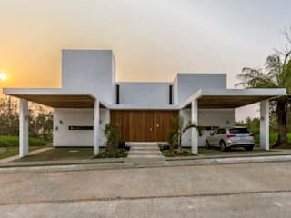 Fachada principal Casas de estilo minimalista de Yucatan Green Design Minimalista