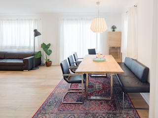 Scandinavian style dining room by Kathameno Interior Design e.U. Scandinavian