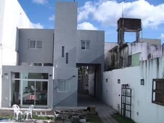 Houses by Alvarez Farabello Arquitectos, Minimalist
