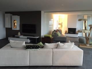 Sofa BASELINE und PLAYGROUND von Eilersen:   von SOLIDMADE | Design Furniture