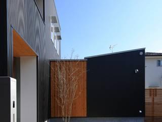 hirai house: 髙岡建築研究室が手掛けた家です。,モダン