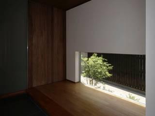 s-house: 髙岡建築研究室が手掛けた廊下 & 玄関です。,和風