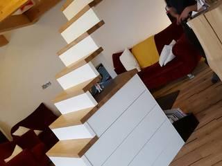 Treppe: modern  von uniQ ,Modern