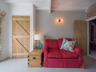 Playroom / Snug:  Living room by Design by Jo Bee