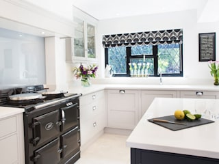 Classic, yet Contemporary:  Kitchen by Rencraft