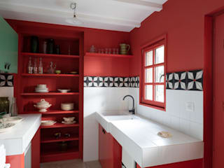Classic style kitchen by Agence d'architecture intérieure Laurence Faure Classic