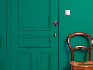 Agence d'architecture intérieure Laurence Faure 經典風格的走廊,走廊和樓梯