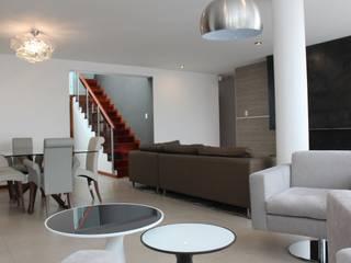 Remodelación Departamento LUHE: Salas / recibidores de estilo  por Soluciones Técnicas y de Arquitectura