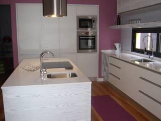 Cozinha:   por IRMÃOS LEÇA DE FREITAS, LDA