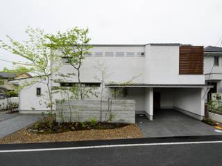 バウムスタイルアーキテクト一級建築士事務所 Casas de estilo ecléctico Blanco
