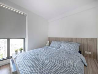 SKYTERRACE @ DAWSON Scandinavian style bedroom by Eightytwo Pte Ltd Scandinavian
