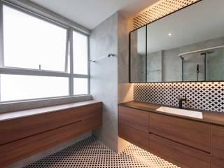 Minimalistische badkamers van Eightytwo Pte Ltd Minimalistisch