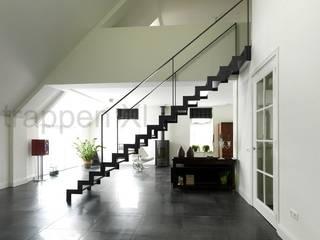 Prachtige design trappen geplaatst in Drenthe. Moderne exhibitieruimten van TrappenXL Modern