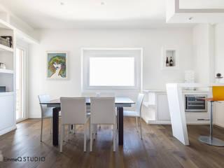 Casa G+F :  in stile  di EmmeQ STUDIO