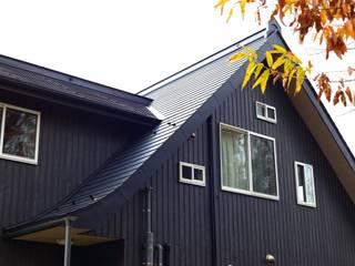 「竜骨の家」外観: 円満字建築事務所が手掛けた家です。