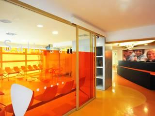 Agence d'architecture intérieure Laurence Faure 現代風玄關、走廊與階梯