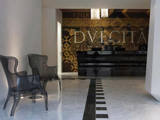 Hoteles de estilo moderno de Tralhão Design Center Moderno