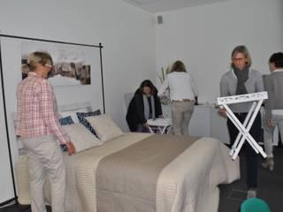 Sekolah oleh DAHS Deutsches Ausbildungszentrum für Home Staging, Modern