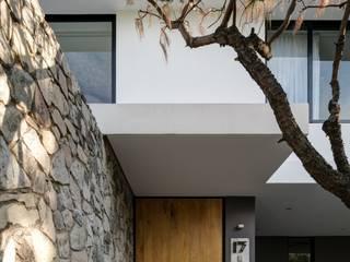 Maisons modernes par Trama Arquitectos Moderne