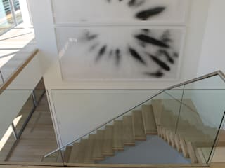 Floating Steps of Beauty in Long Island Corredores, halls e escadas minimalistas por EeStairs | Stairs and balustrades Minimalista