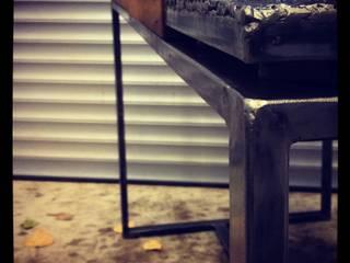 Réalisation d'une table et de banc en Bois de cuves de vin récup-éclaire (Thibaut Richard) Salle à mangerTables Métal