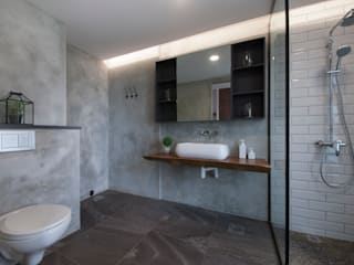 Eclectic style bathrooms by Eightytwo Eclectic