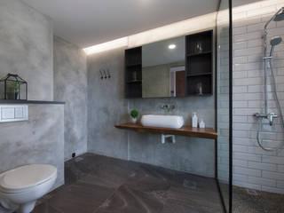 Baños de estilo ecléctico de Eightytwo Pte Ltd Ecléctico
