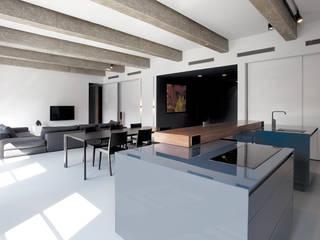 A.02 _ kuchnia, salon: styl , w kategorii Kuchnia zaprojektowany przez PULVA