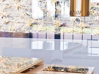 ilha de cozinha / cozinha compacta:   por Atelier 405 \ 405 architects