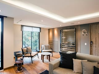 Salas / recibidores de estilo  por Sobrado + Ugalde Arquitectos