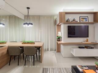 Apartamento .VB Salas de jantar modernas por Amis Arquitetura e Decoração Moderno
