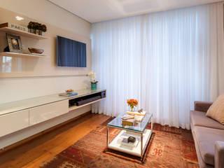 Amis Arquitetura e Decoração Modern living room