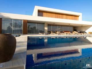 Residencial Quinta da Baroneza Piscinas modernas por Mario Moreno Arquitetura e Design Moderno