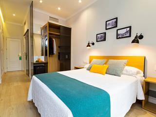 Hotel en al puerta del Sol (MAdrid): Hoteles de estilo  de ESM Interiorismo y Contract
