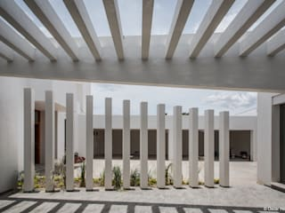 CASA CASTELAZO / ADI ARQUITECTURA Y DISEÑO INTERIOR:  de estilo  por Oscar Hernández - Fotografía de Arquitectura