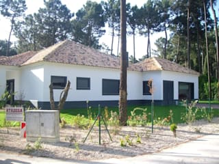 Casas modernas de Atádega Sociedade de Construções, Lda Moderno