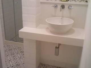 Modern Bathroom by Margareth Salles Modern Tiles