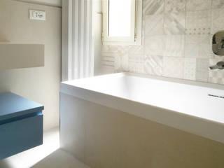 Baños de estilo moderno de CAFElab studio Moderno
