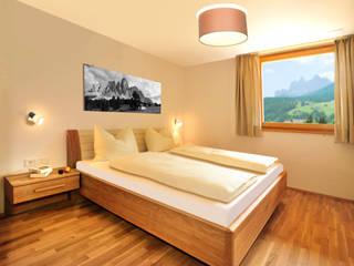 Classic style bedroom by Manuel Benedikter Architekt Classic