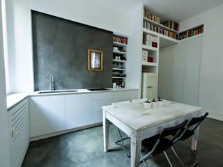 Rifugio urbano: Cucina in stile  di studio ferlazzo natoli